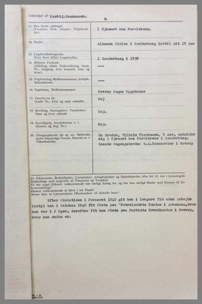 Generaliarapporten opsummerer Jonny Tiedemanns familiemæssige baggrund side 2